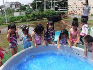 水遊び女子